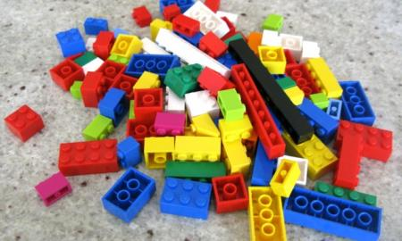 Pile of multicolored LEGOs.