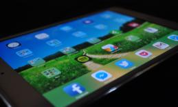 ipad screen with apps (from Pixabay)